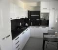 Kuchyň - bílá vysoký lesk